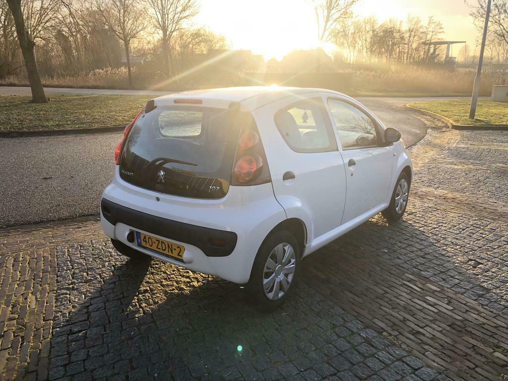 Peugeot 107 1.0 12V 5DR 2012 Airco
