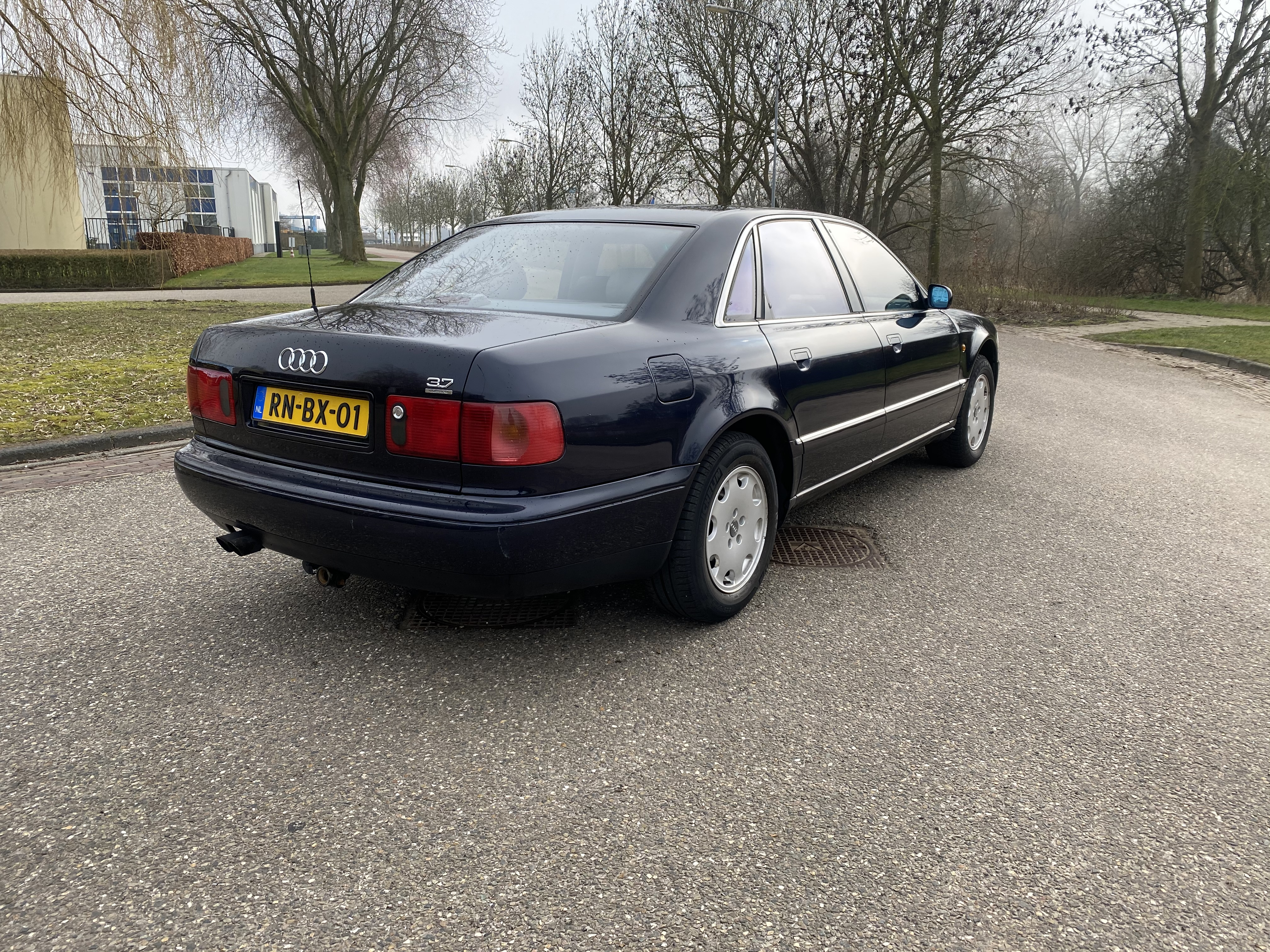 Audi A8 3.7 V8 Quattro 169KW AUT